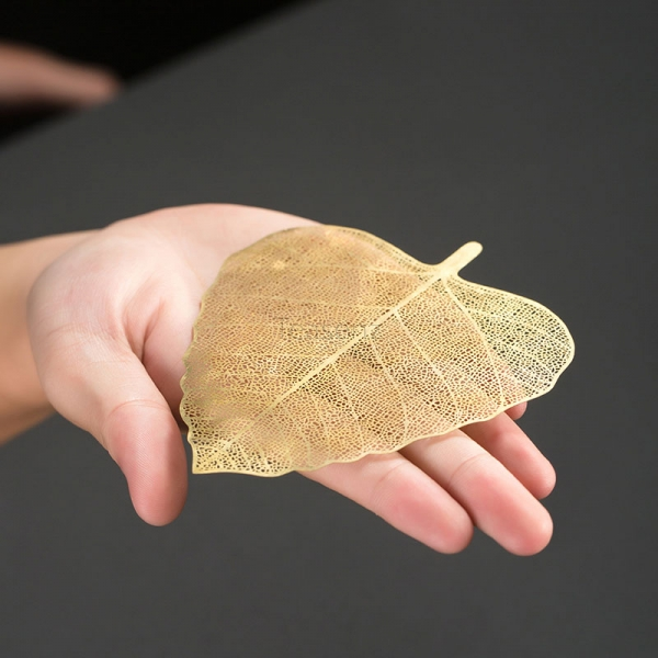 gold stainless steel leaf shaped strainer